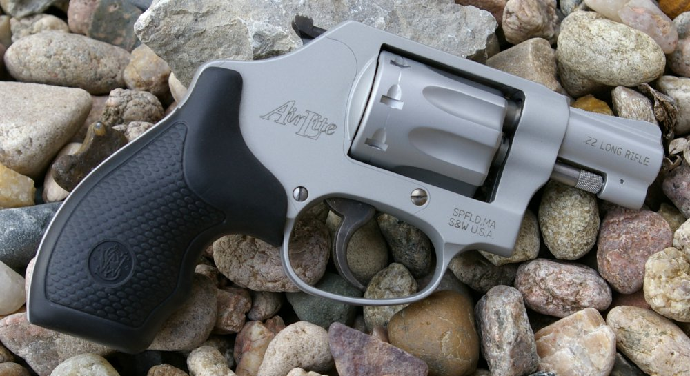 Smith Wesson AirLite 317 .22LR revolver