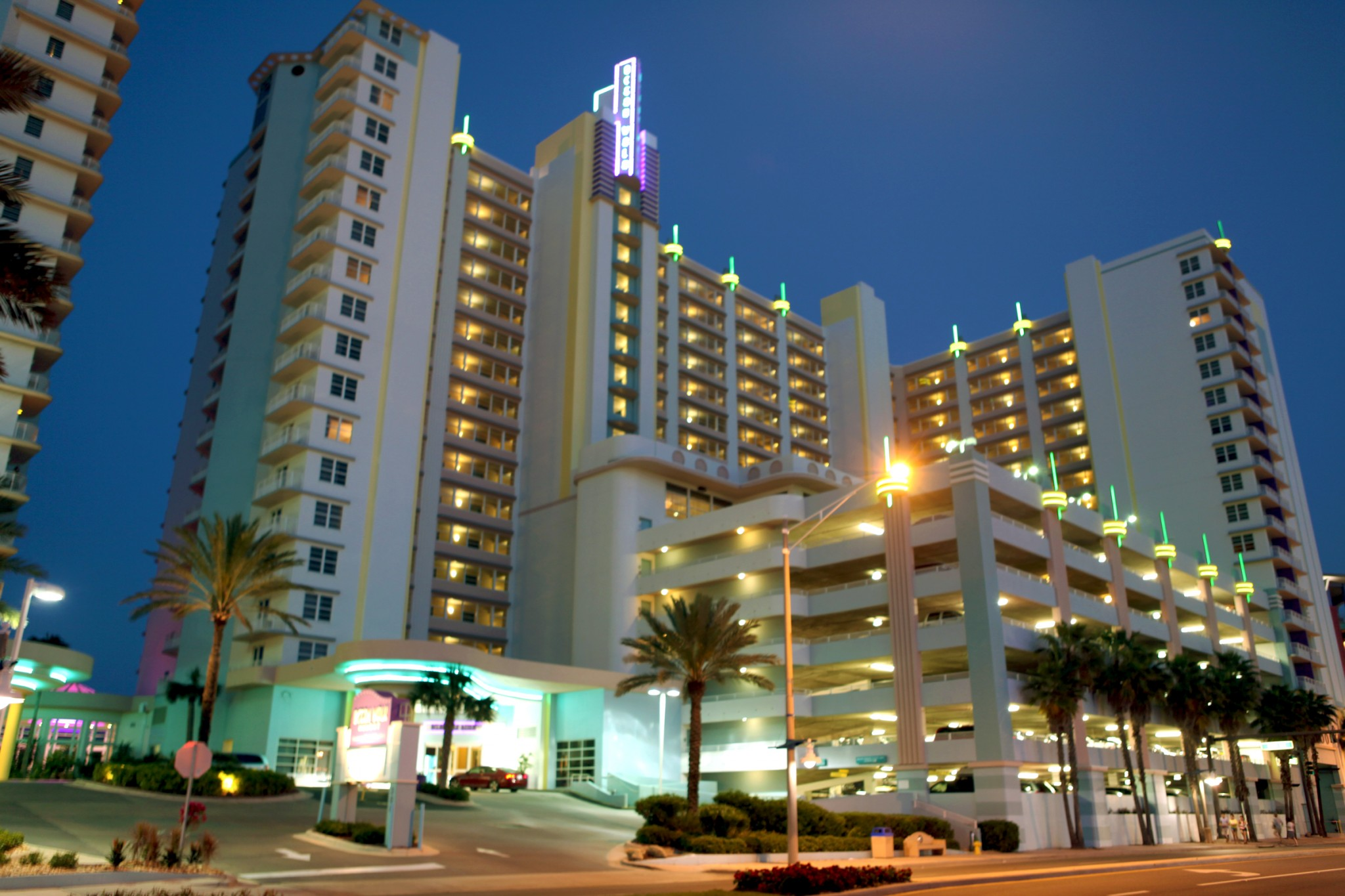 Accidental Discharge in Daytona Hotel Possibly Hits 12-Year-Old Boy