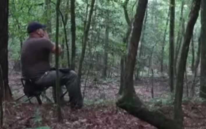 Looking to Get Goosebumps? Hunter Uses a Coyote Call and Gets a Terrifying Response.