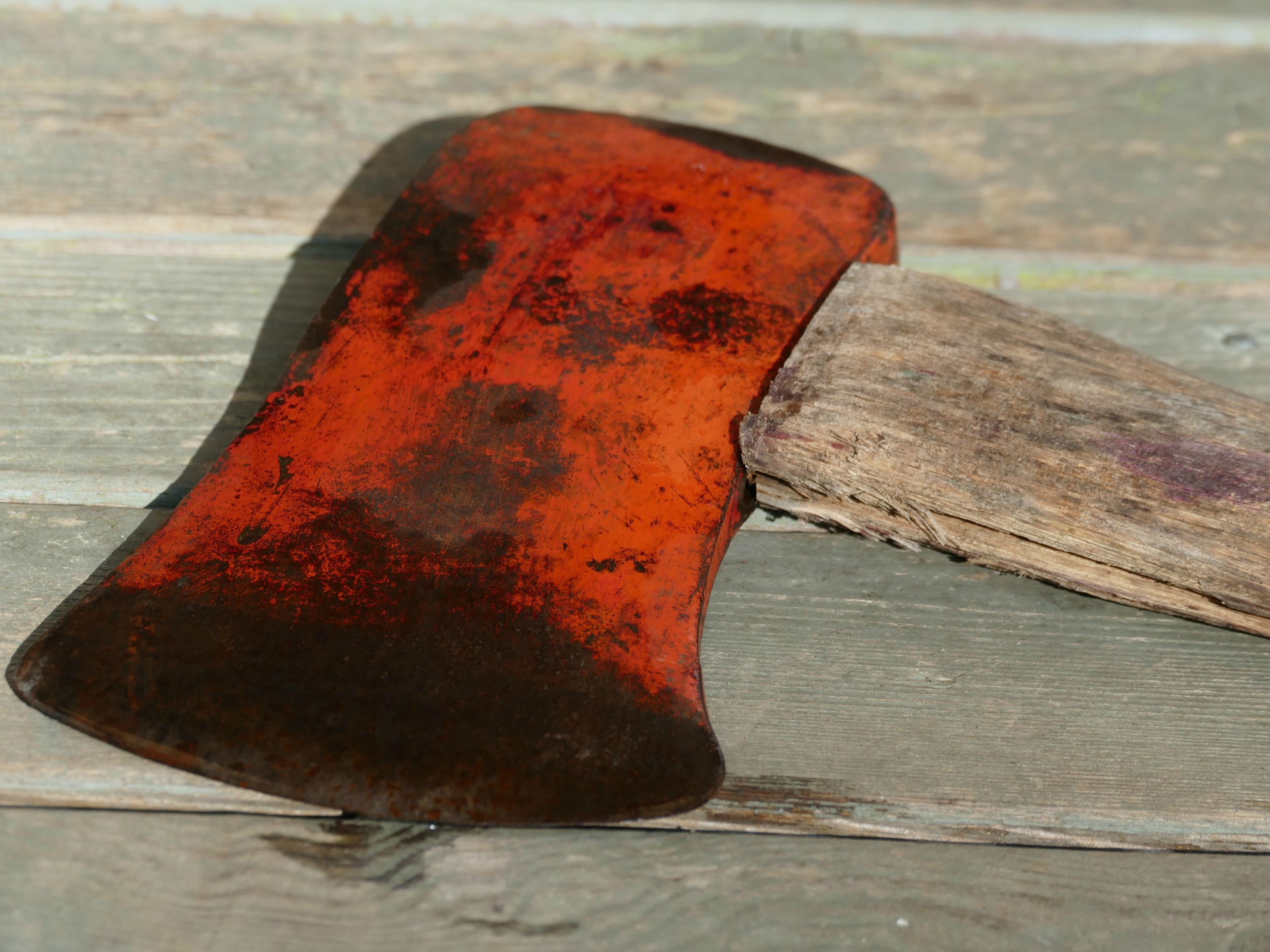 A Rusty Old Axe, Restored. A How-To.