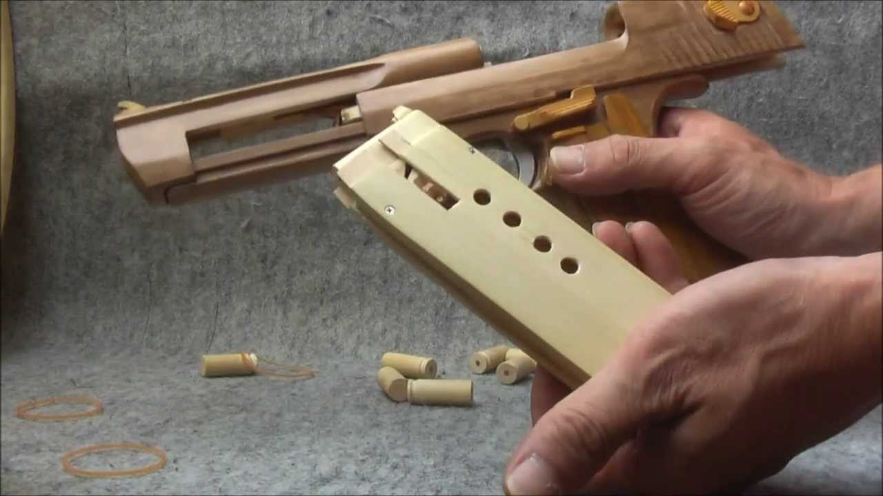 Video: Wooden Desert Eagle Pistol with Mag and Cartridges