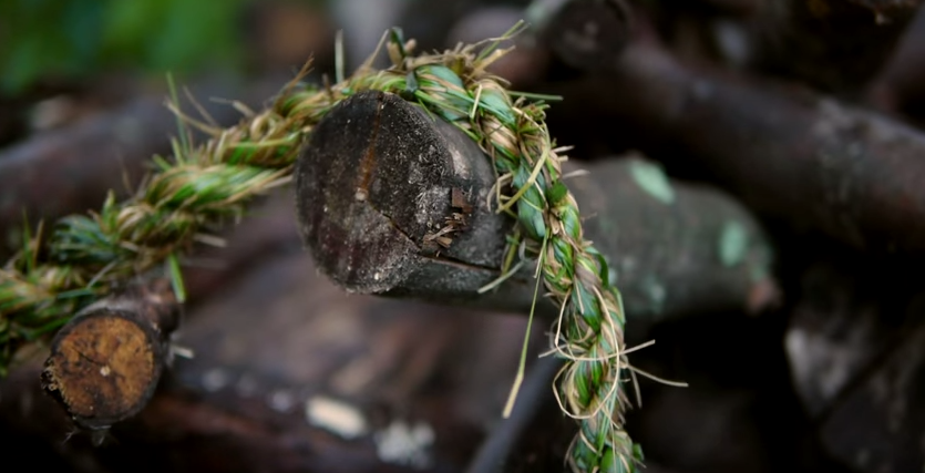 HOW-TO VIDEO: Easy Method for Making Grass Rope