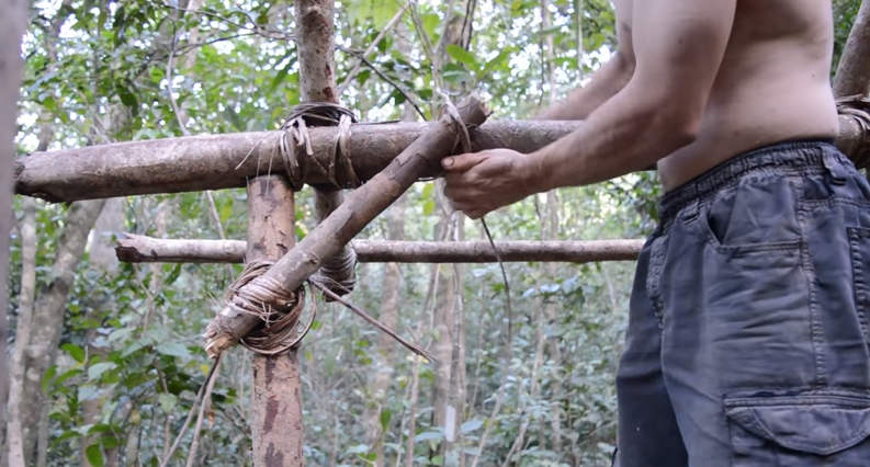 Amazing Video – Building a Tiled Roof Hut Using Only Primitive Tools and Materials