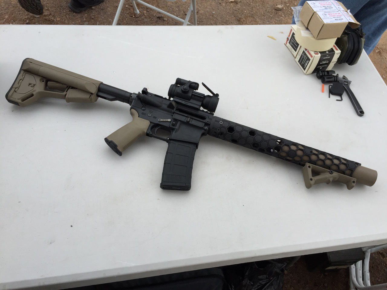 SHOT 2016: Witt Machine's Integrally Suppressed .300BLK Upper