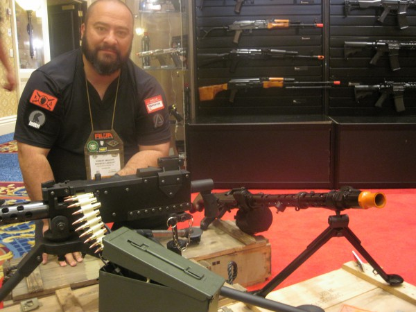 Awesome Airsoft WWII Machine Guns at the 2016  SHOT Show