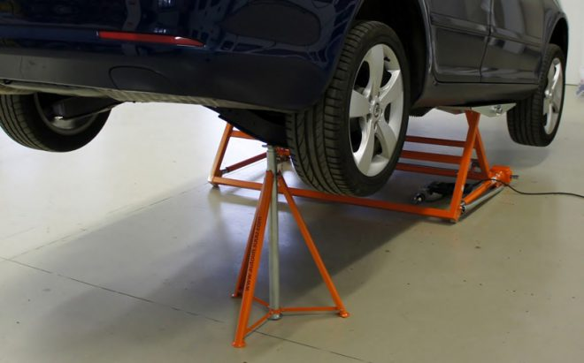Watch Cool Tilting Seesaw Portable Car Lift