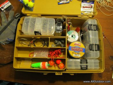 Tackle box for fishing gear
