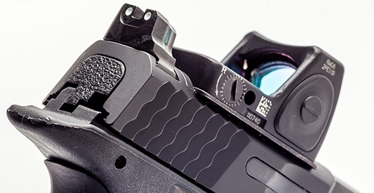 trijicon_rmr_concealed_carry_smith_wesson-m-p-c-o-r-e-9-pistol_21