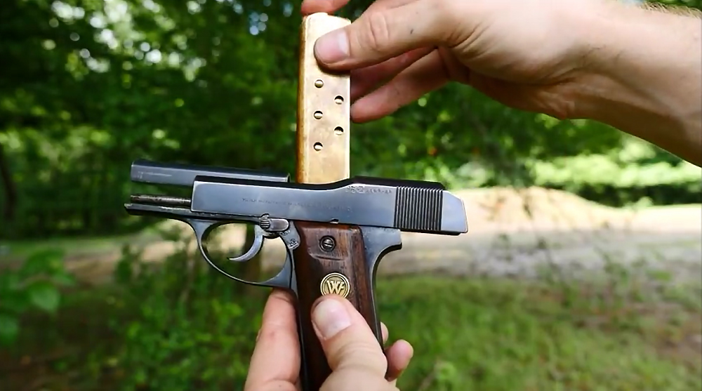 Watch: Little Tom, the First DS/SA Pistol