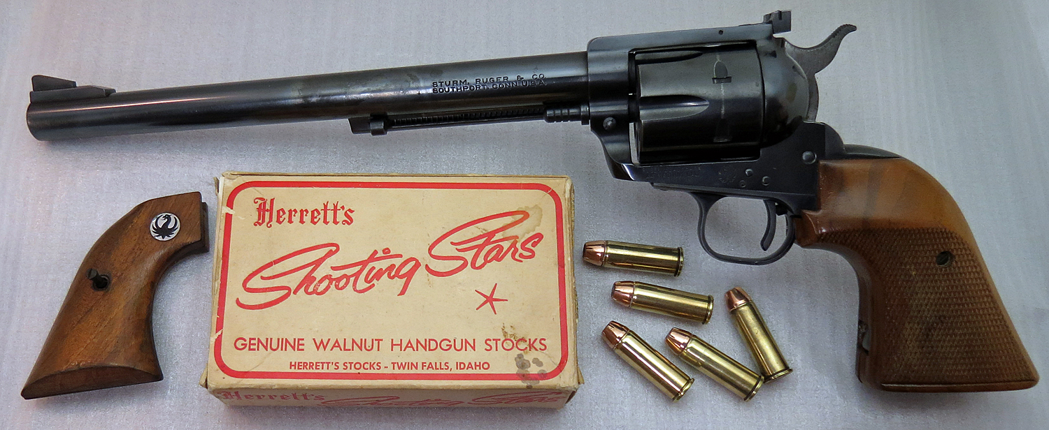 Ruger Flat Top Blackhawk 44 with oversize Herrett's grips & original box (tiny factory grips are on the left). (Photo © Russ Chastain)