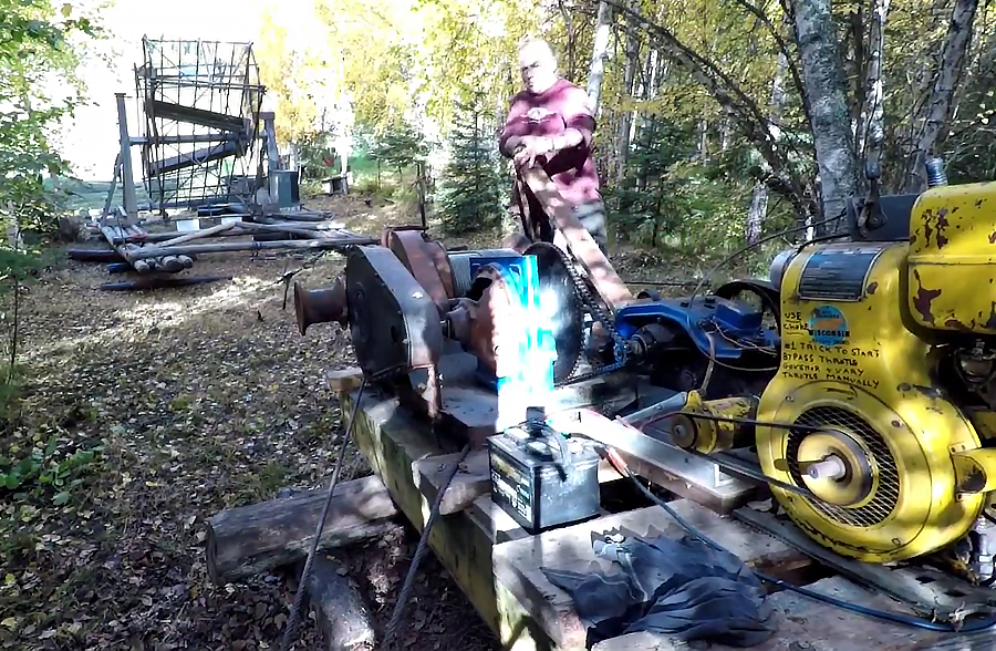 Watch: Stan Zuray & Russ Winch a Fish Wheel up the Yukon River Bank