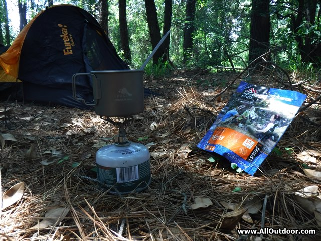 BRS camp stove with Toaks pot