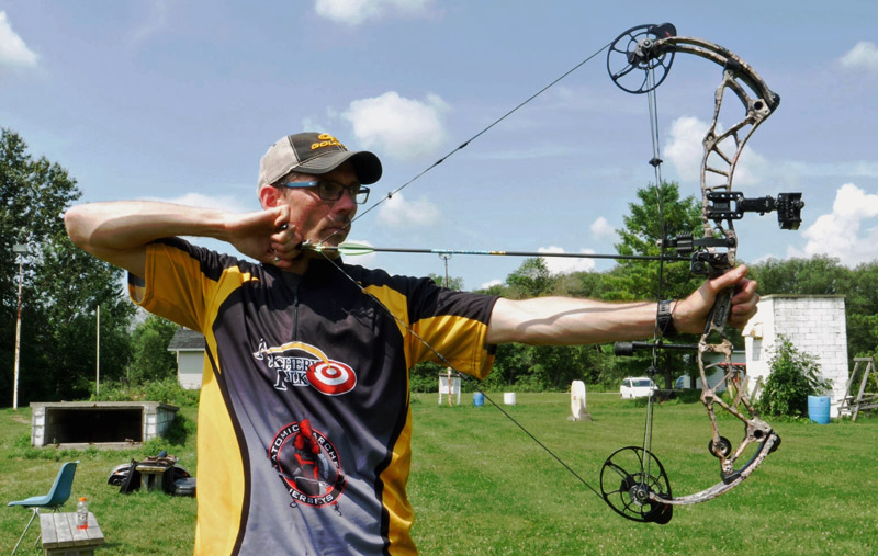 Compound Bow Review: Bowtech Realm X + Video