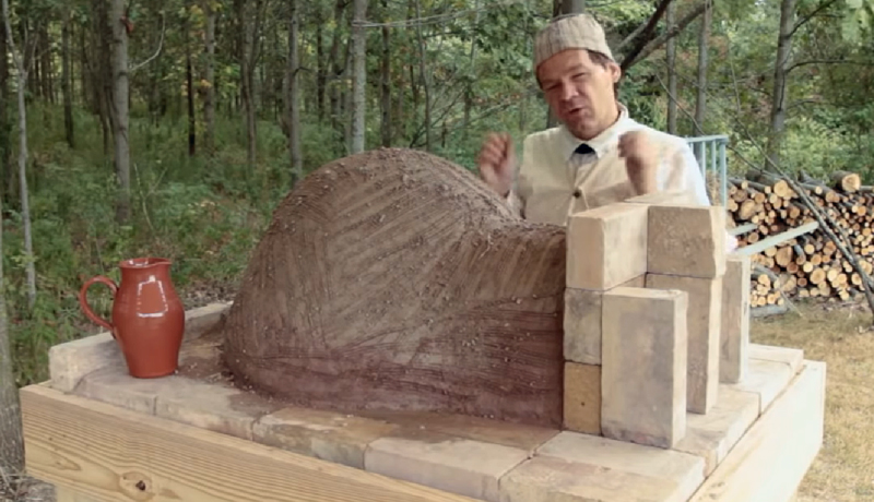 How to Make an Earthen Oven and Bake Bread in it.
