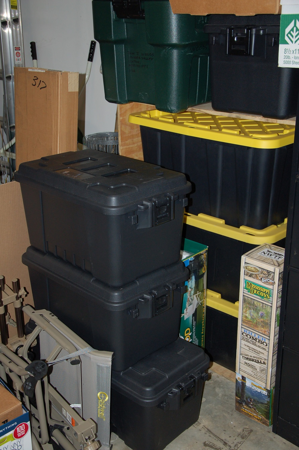 """Hunter's """"Bug Out"""" Supply Box"""