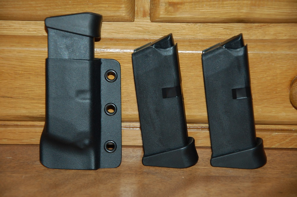 Should You Carry A Back Up Magazine?