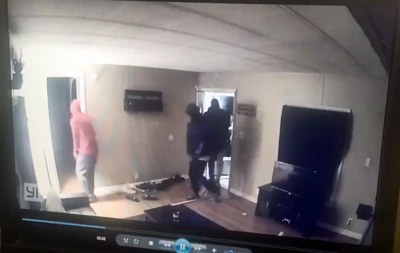 Watch Kentucky Homeowner Shoot it Out With Home Invaders