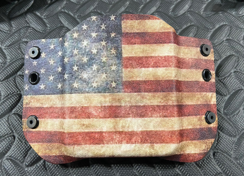 """Flag version of the Ideal Conceal """"Cell Phone Pistol"""" holster. (Photo © Russ Chastain)"""