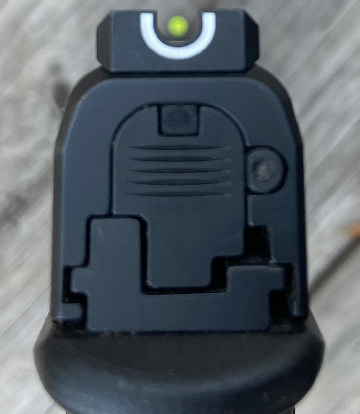 """Tritium U-Dot sight picture."" Rear sight does not glow in the dark. (Photo © Russ Chastain)"