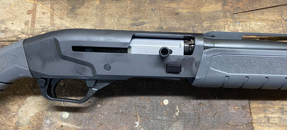 Savage Renegauge receiver is aluminum alloy. (Photo © Russ Chastain)
